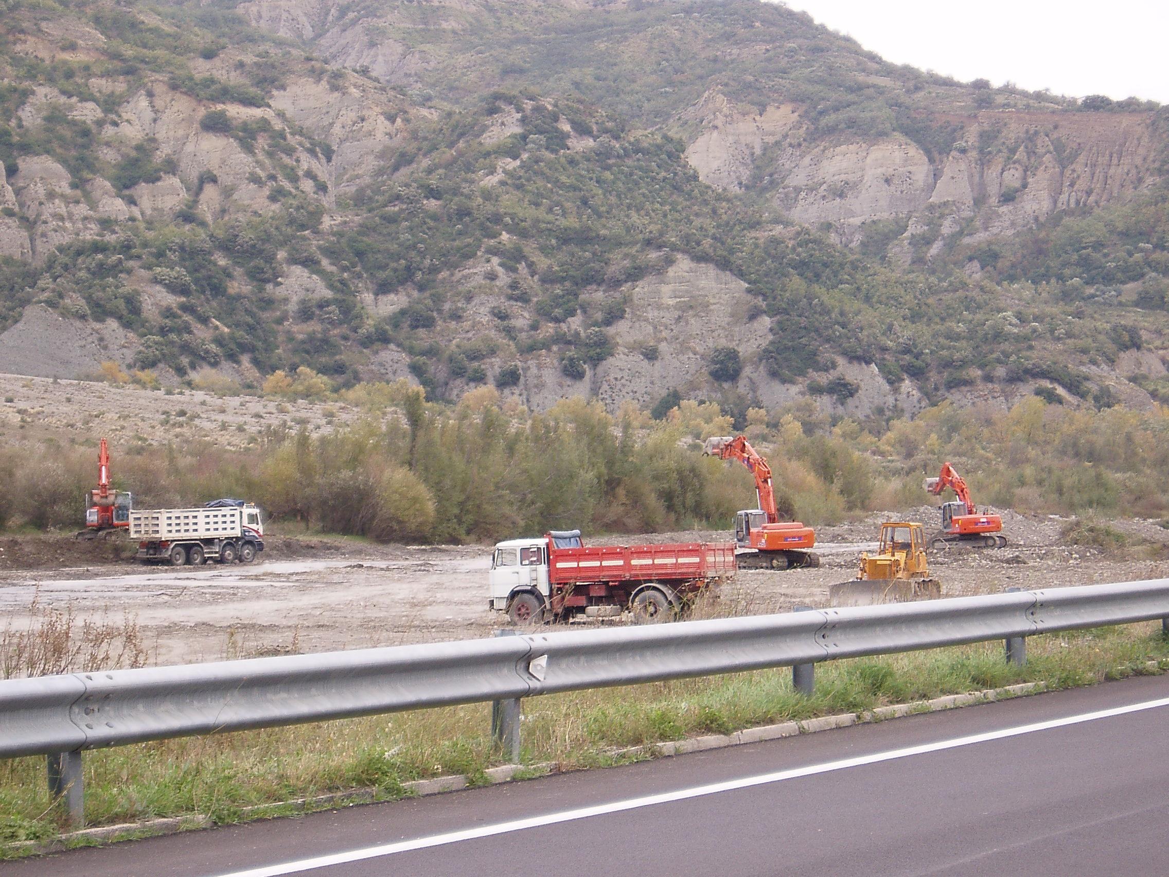 escavazioni di inerti fluviali sul Sinni